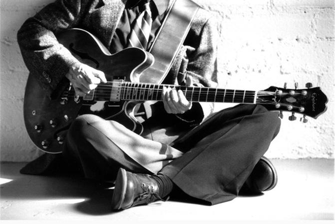 http://www.jimmysteinfeldt.com/images/promo/guitarman.jpg